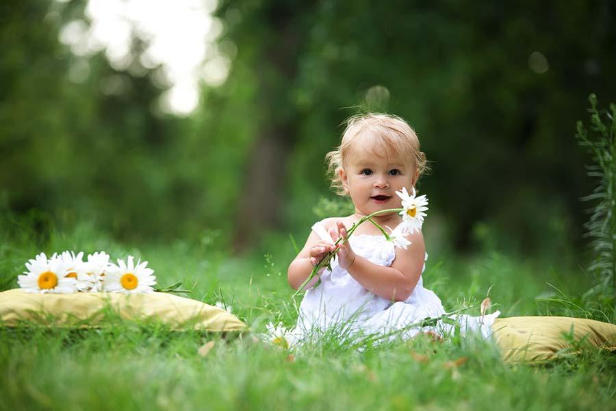 Come vestire i neonati in primavera