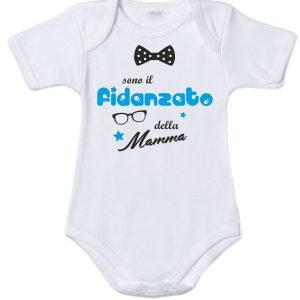"""Body maschietto dedicato alla mamma con su scritto """"sono il fidanzato della mamma"""""""