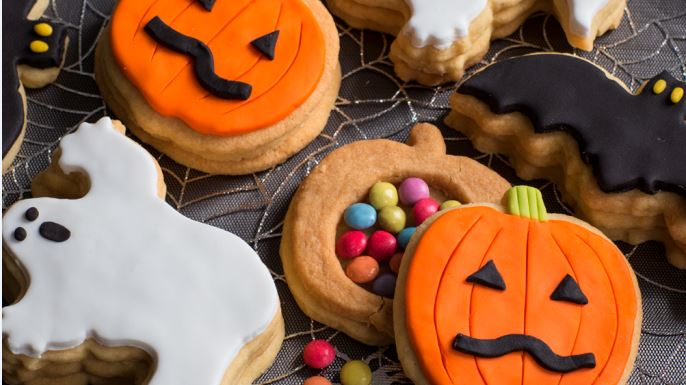 Come fare dei dolcetti di Halloween insieme ai bambini
